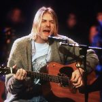 Wow...!!! Kardigan Hijau Kurt Cobain Dilelang Seharga Rp. 3,8 Miliar Lhoo...